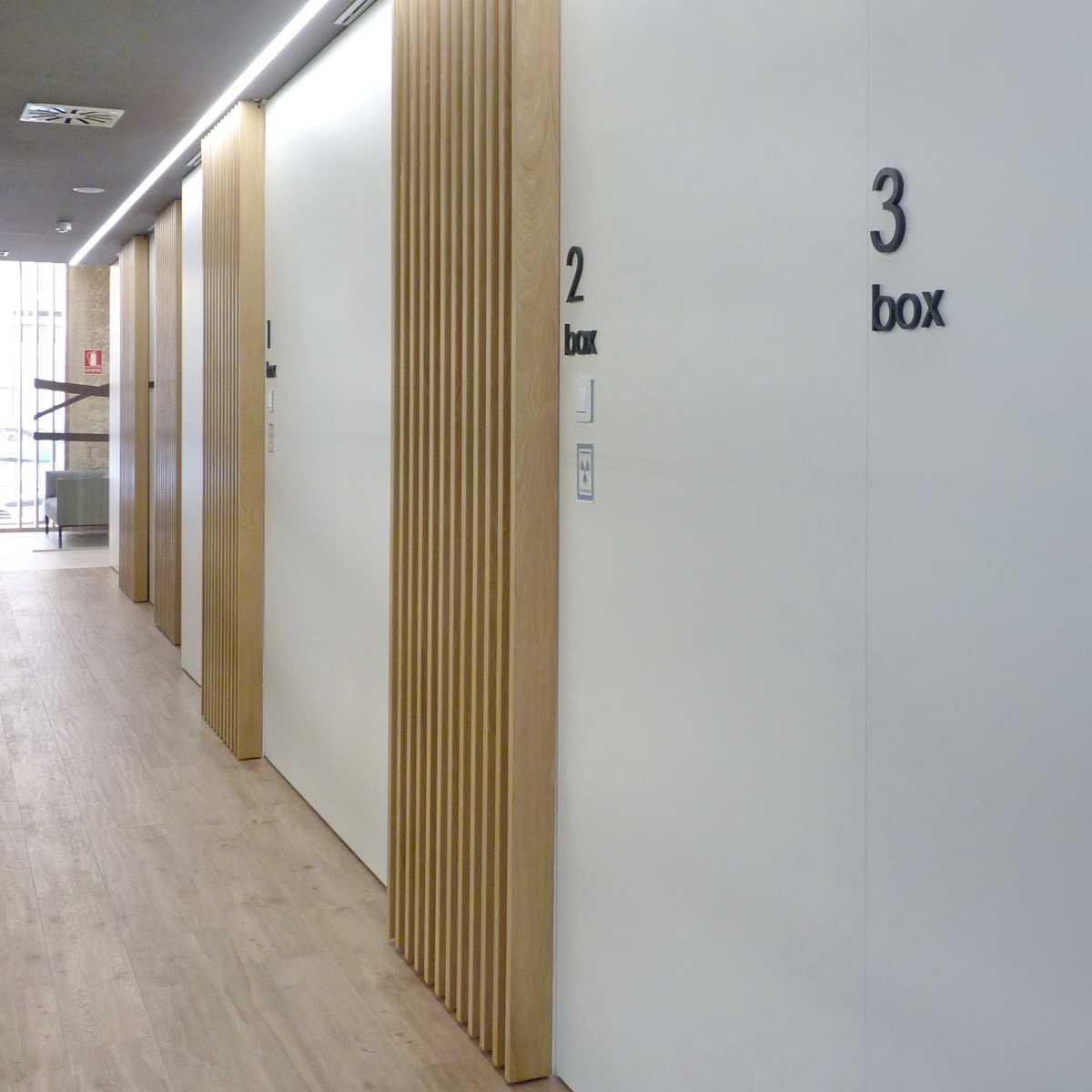 El acceso a los boxes, elegante y privado.